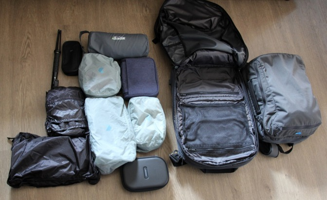 hand-luggage-4915092_1920