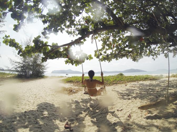 tropical-beach-1149937_1920